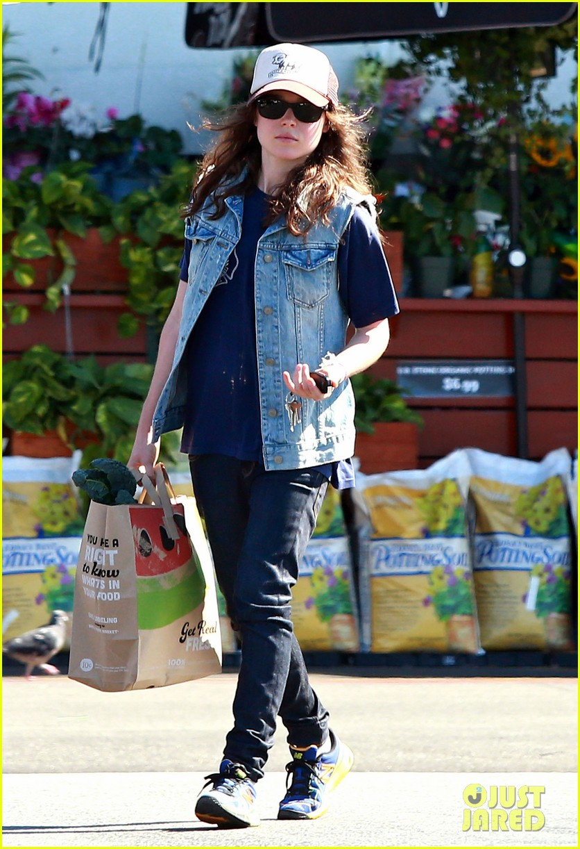 ellen page grocery shops after caution tape day 132926604