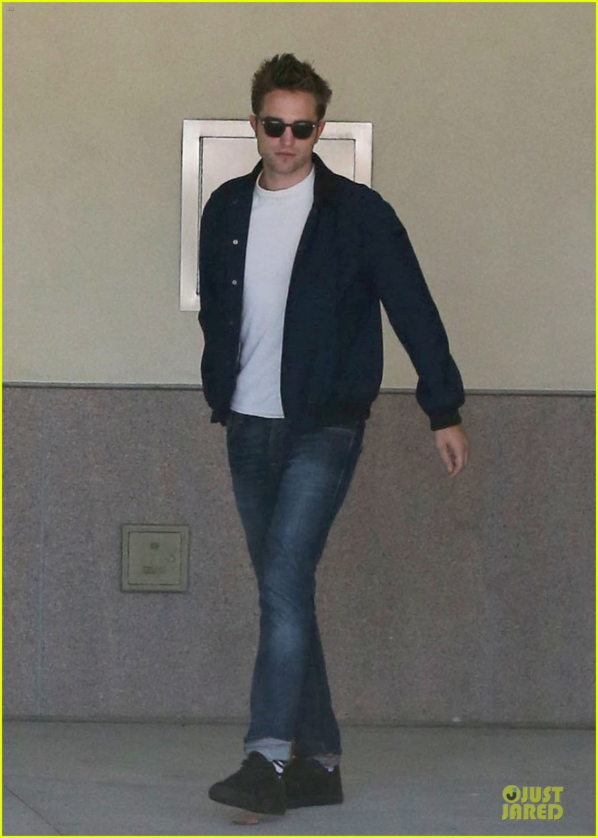 robert pattinson cool office building exit 072931589