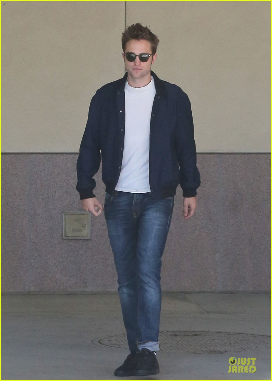 robert pattinson cool office building exit 152931597
