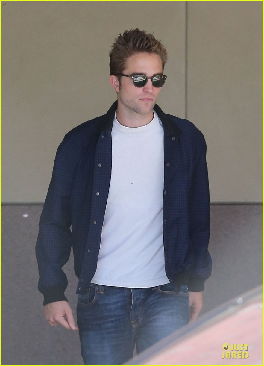 robert pattinson cool office building exit 17
