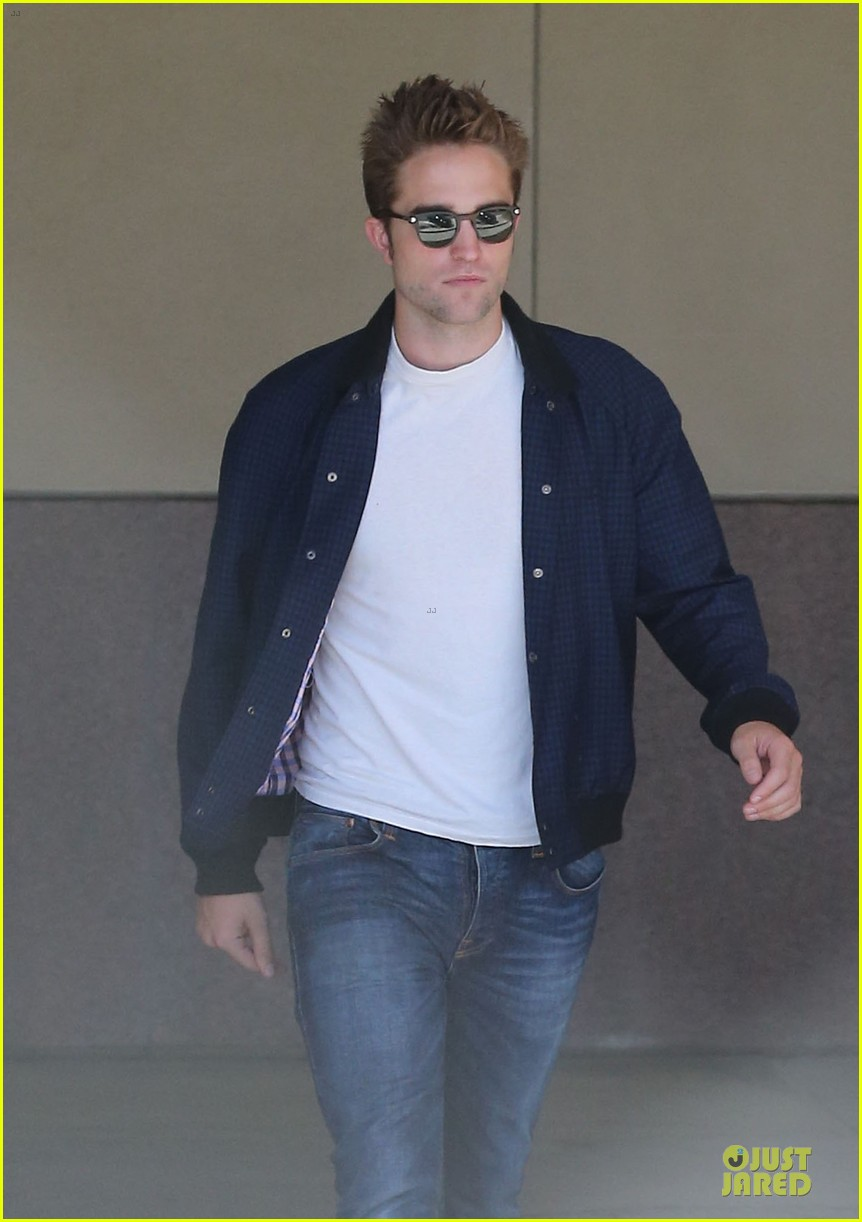 robert pattinson cool office building exit 19