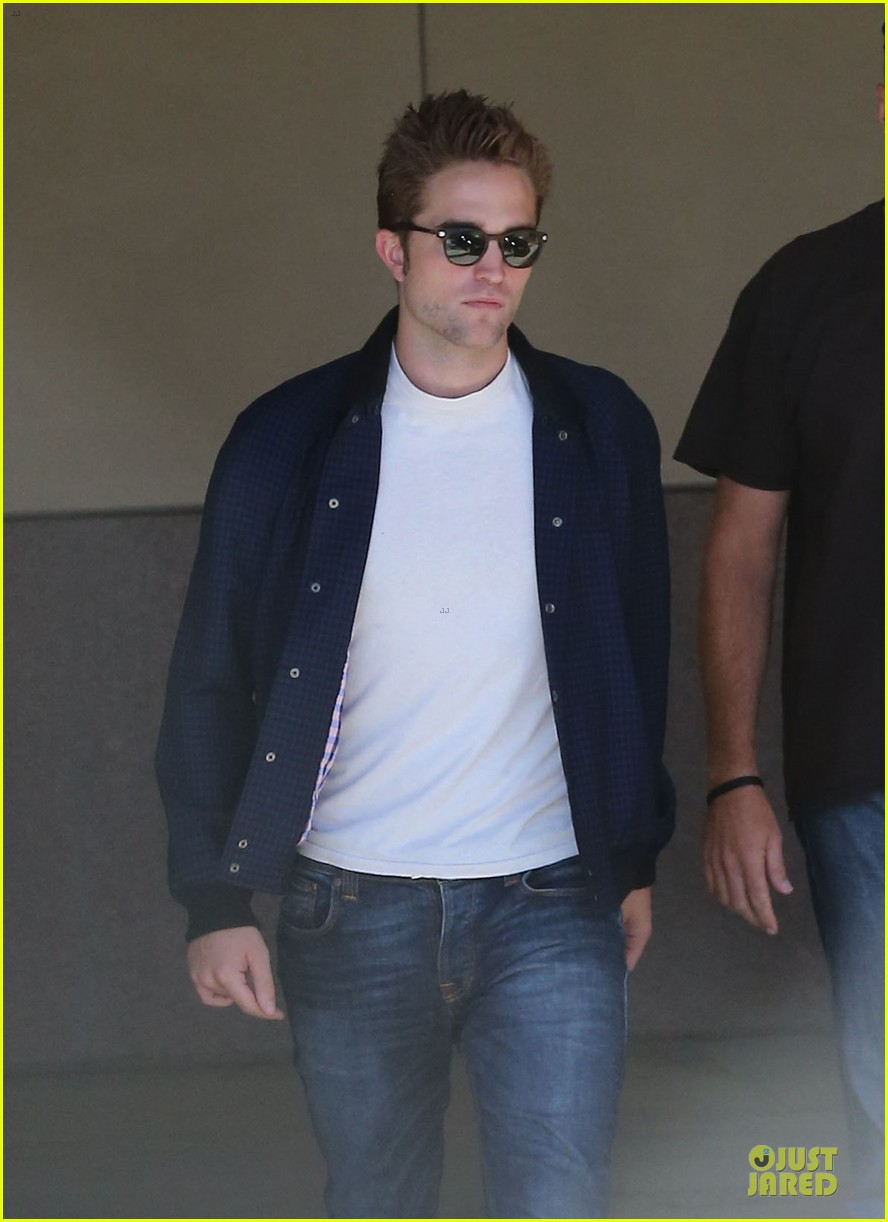 robert pattinson cool office building exit 202931602