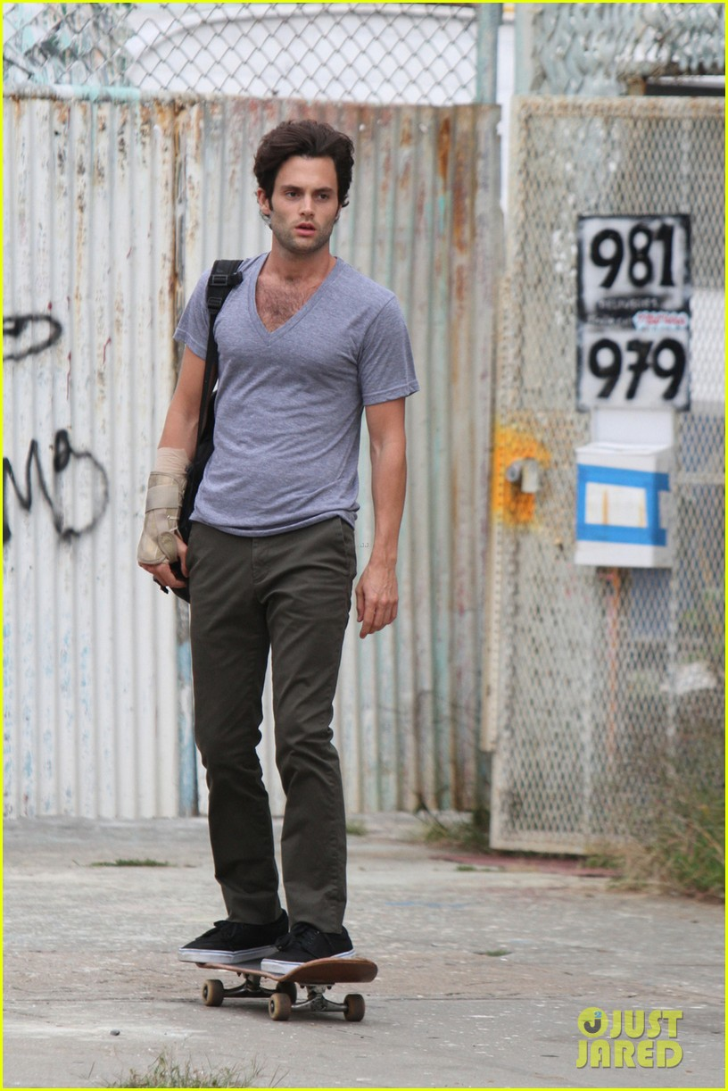 penn badgley cymbeline begins filming in brooklyn 032936260