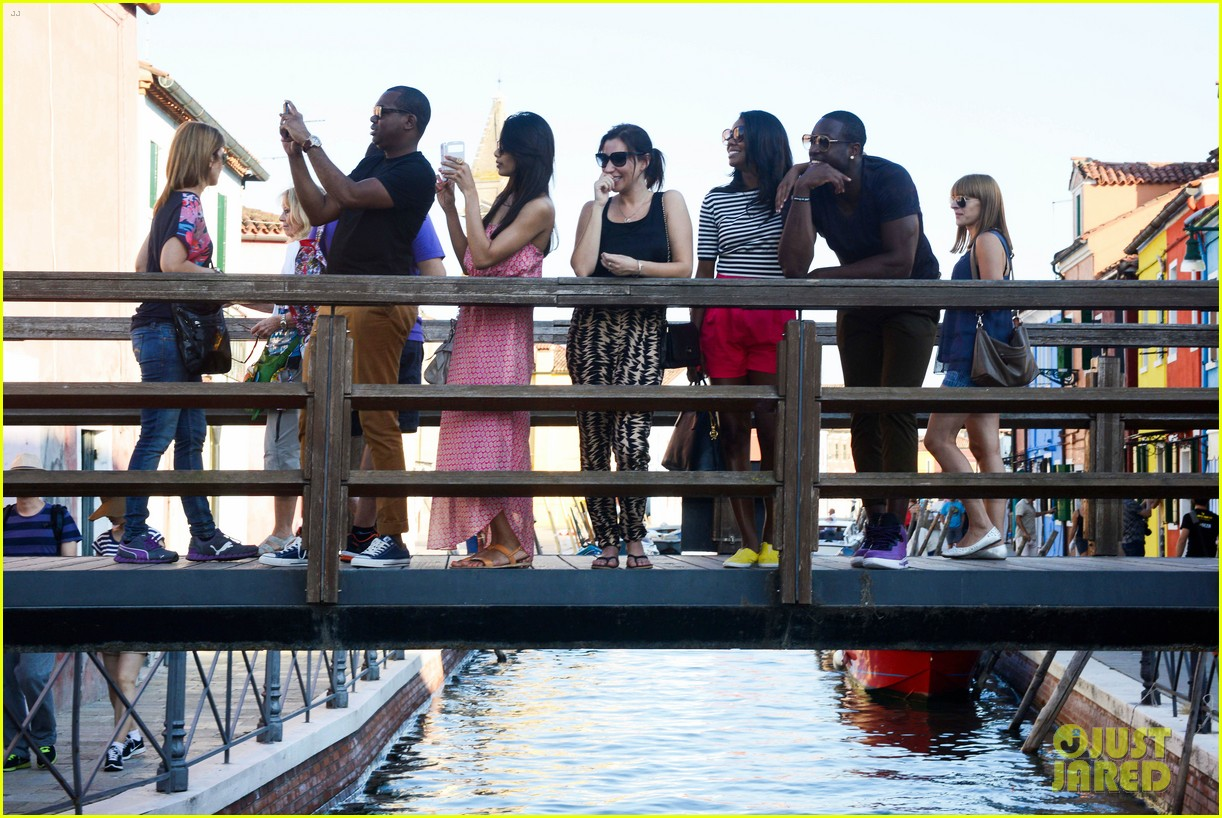 freida pinto venice sightseeing with gabrielle union dwyane wade 14