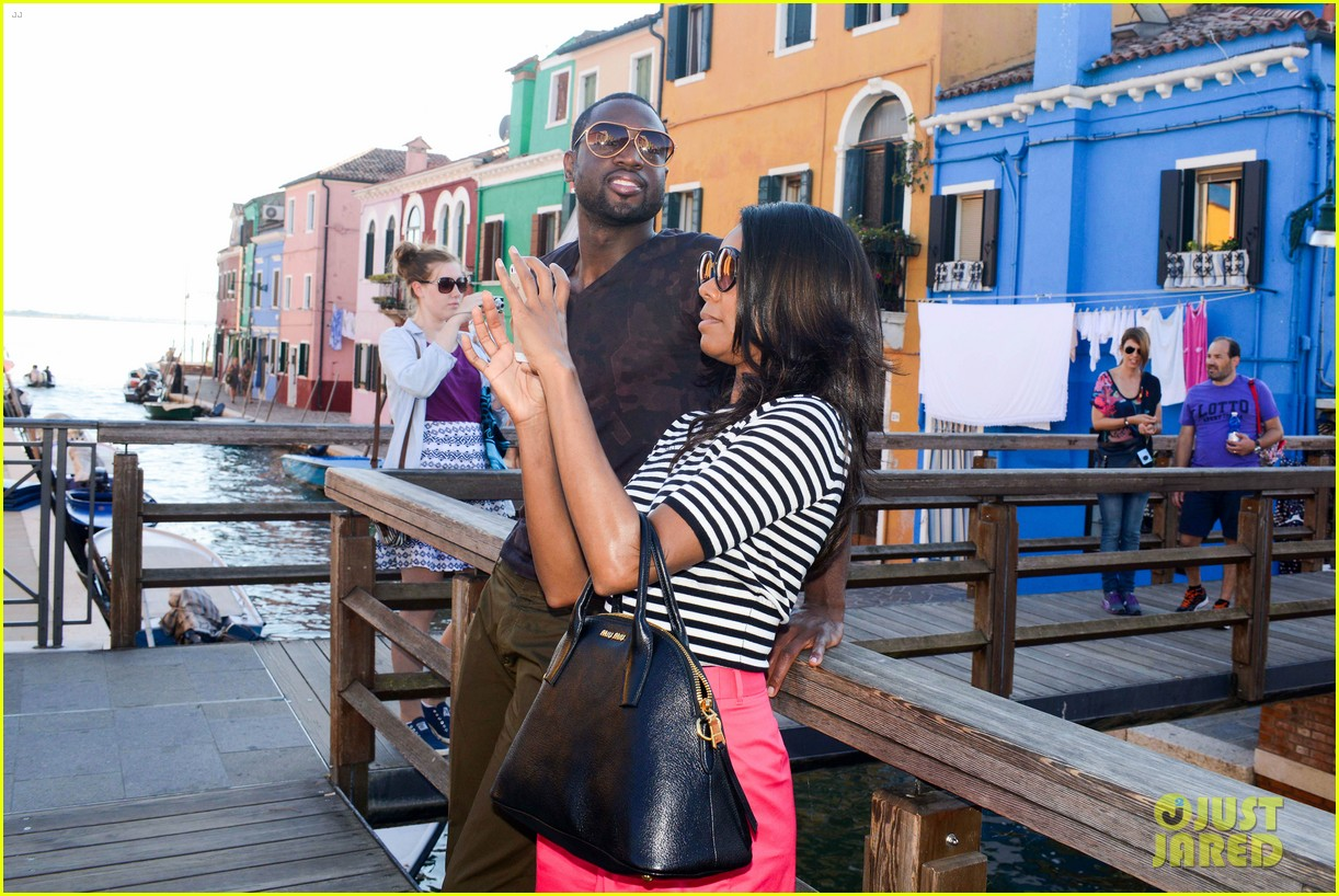 freida pinto venice sightseeing with gabrielle union dwyane wade 18