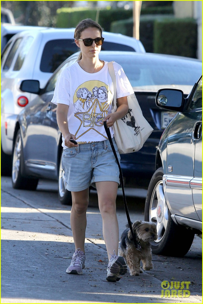 natalie portman wears big star band tee to walk whiz 072932402