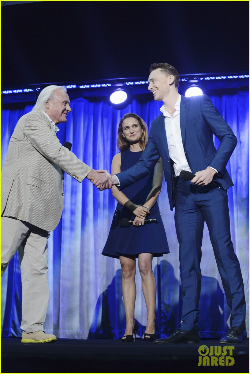natalie portman tom hiddleston thor at disney d23 expo 05