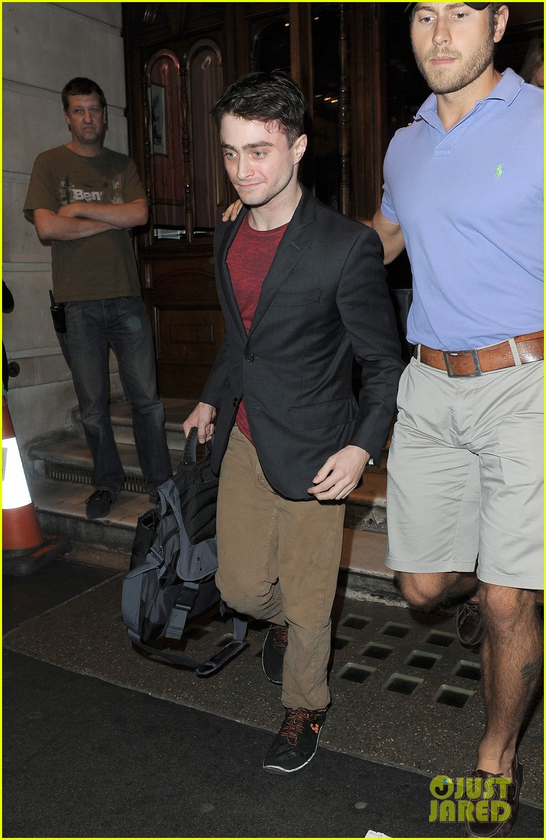 daniel radcliffe is a standup comic says juno temple 032926280