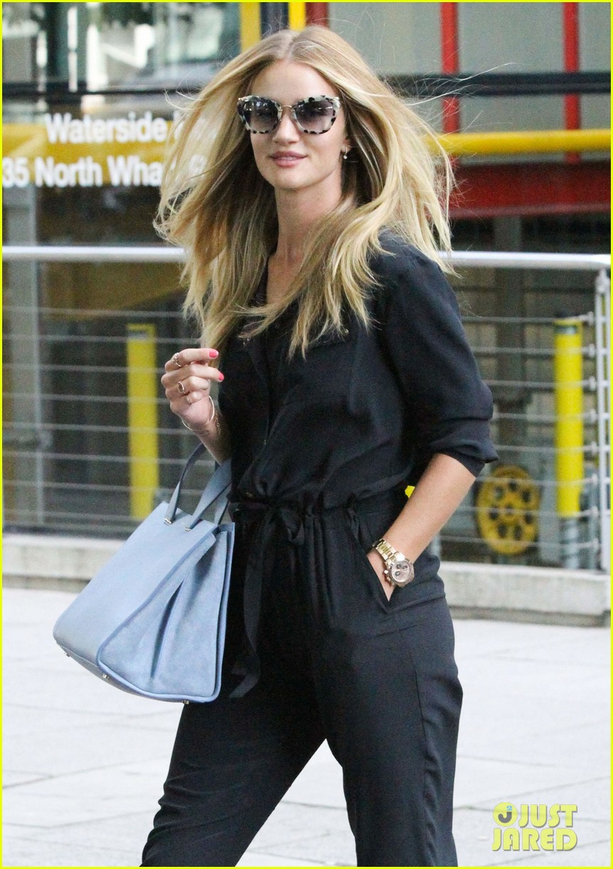 rosie huntington whiteley honored to design for marks spencer 042935384