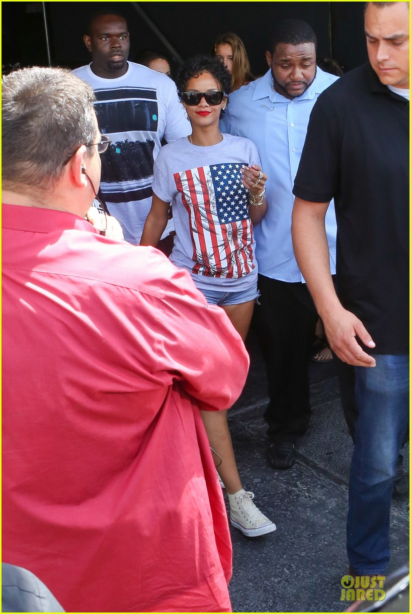 rihanna sports american flag for miami outing 05
