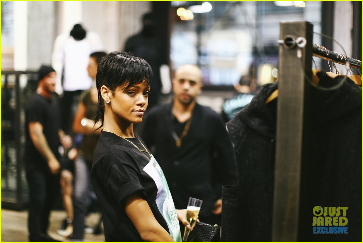 rihanna rocks mullet hairstyle for giorgio baldi dinner 202939794