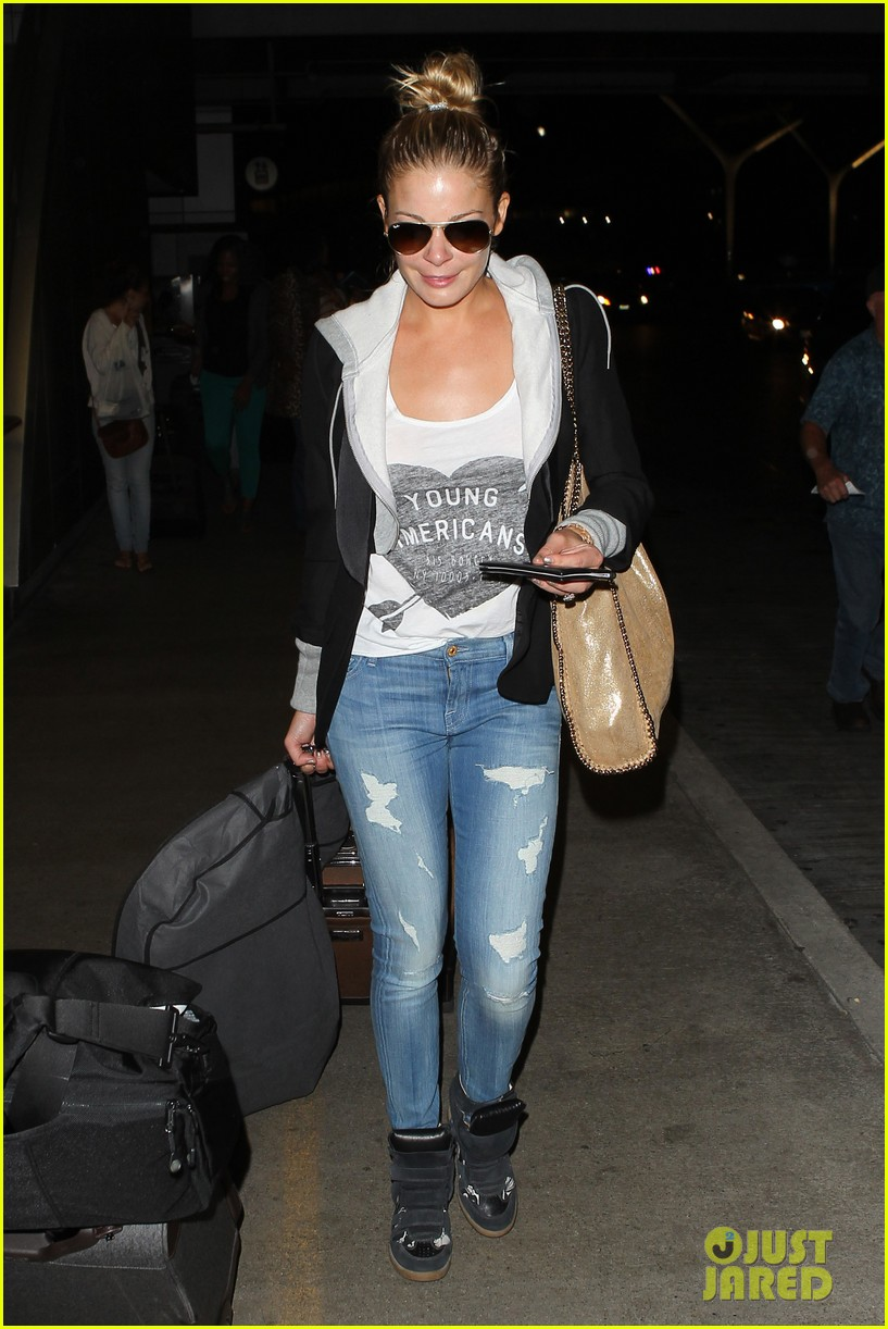 leann rimes birthday lax arrivial with eddie cibrian 052939326