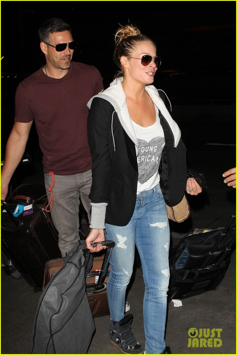 leann rimes birthday lax arrivial with eddie cibrian 06