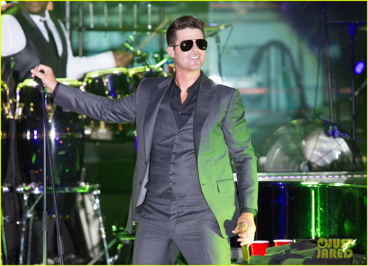 robin thicke files lawsuit to protect blurred lines 16