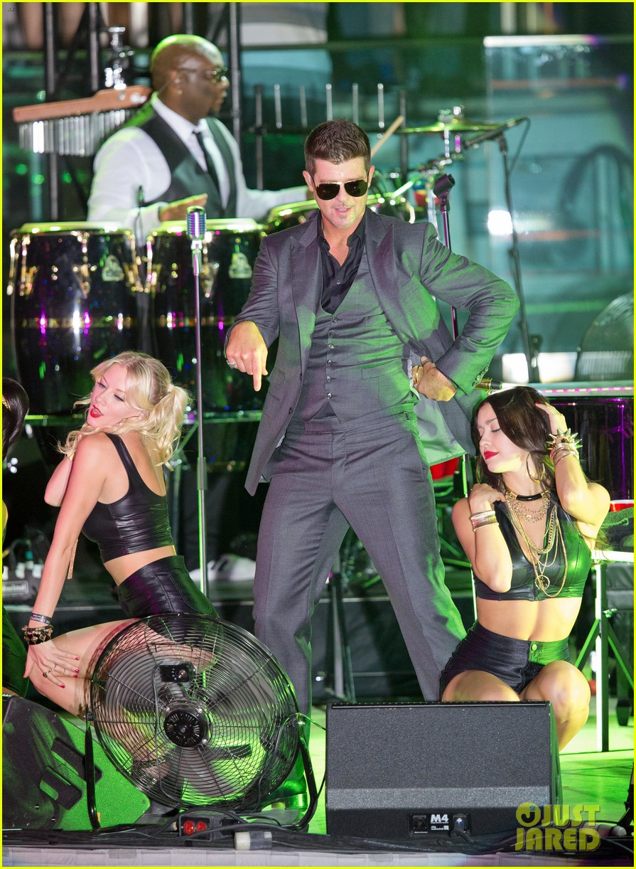 robin thicke files lawsuit to protect blurred lines 21