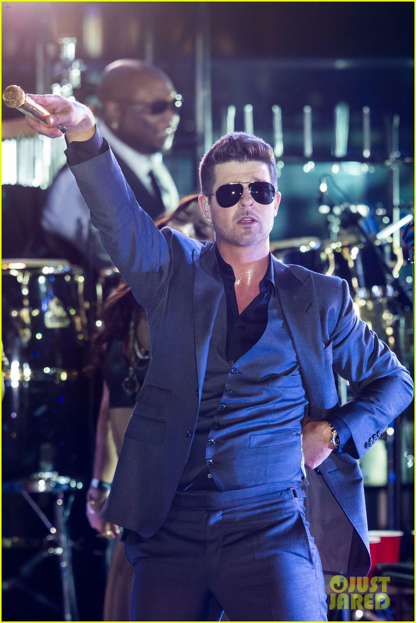 robin thicke files lawsuit to protect blurred lines 252932793