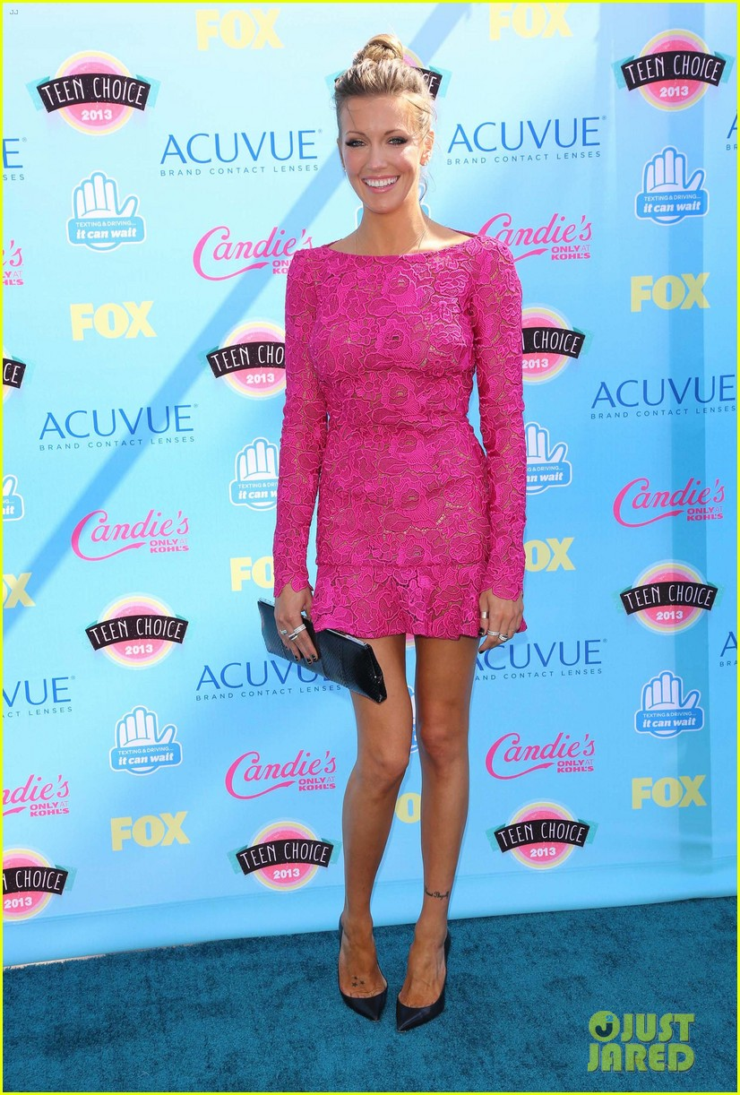 michelle rodriguez katie cassidy teen choice awards 2013 052928217