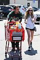 amanda seyfried justin long hang out with finn the dog 27
