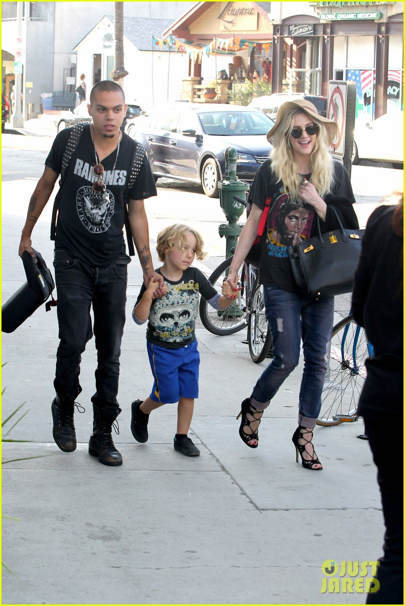 ashlee simpson bronx loves being cousin to maxwell ace 15