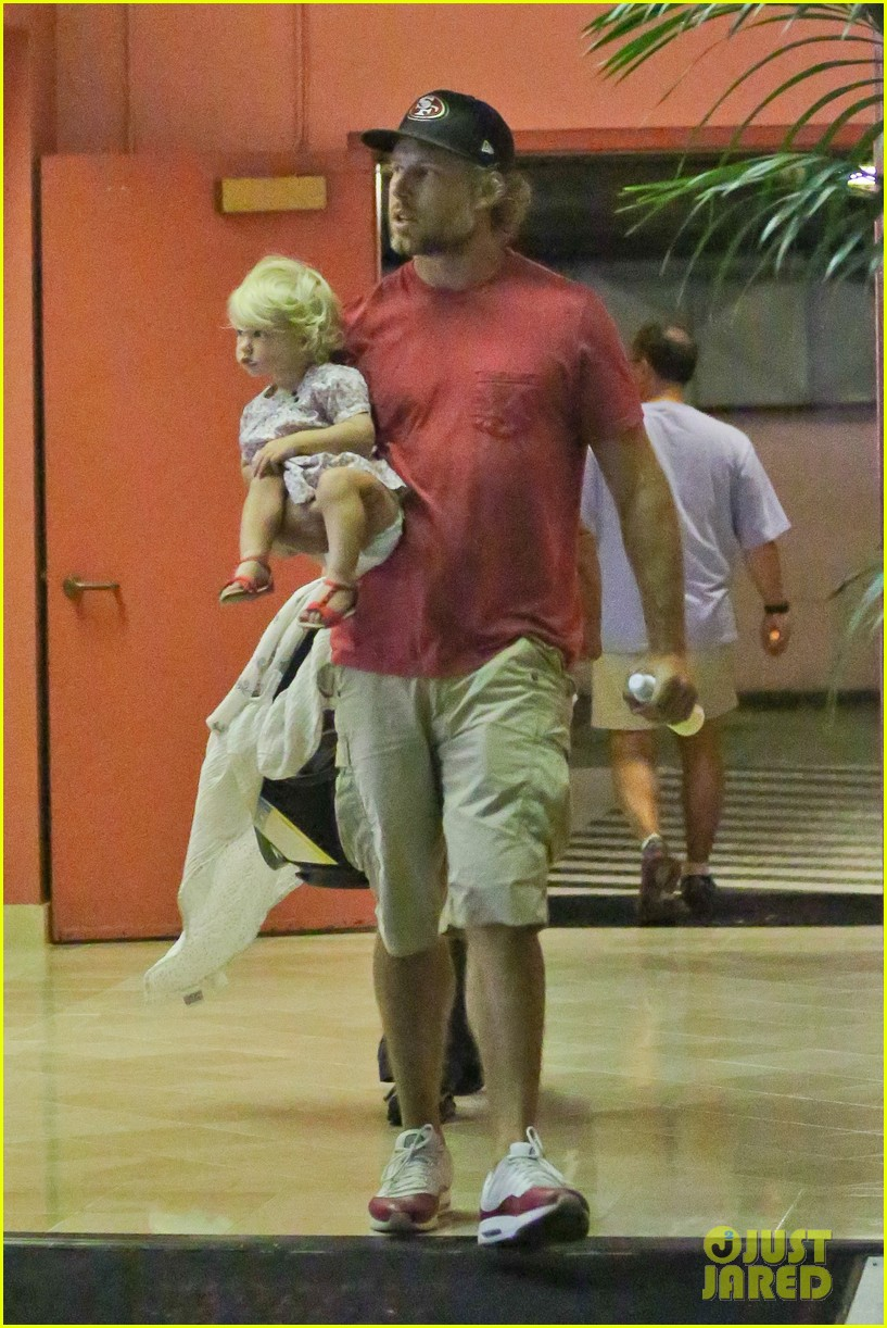 jessica simpson eric johnson step out after aces birth 03