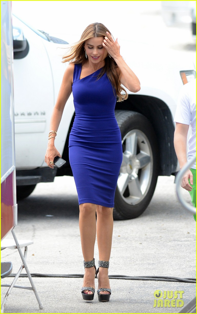 sofia vergara films chef in miami 14