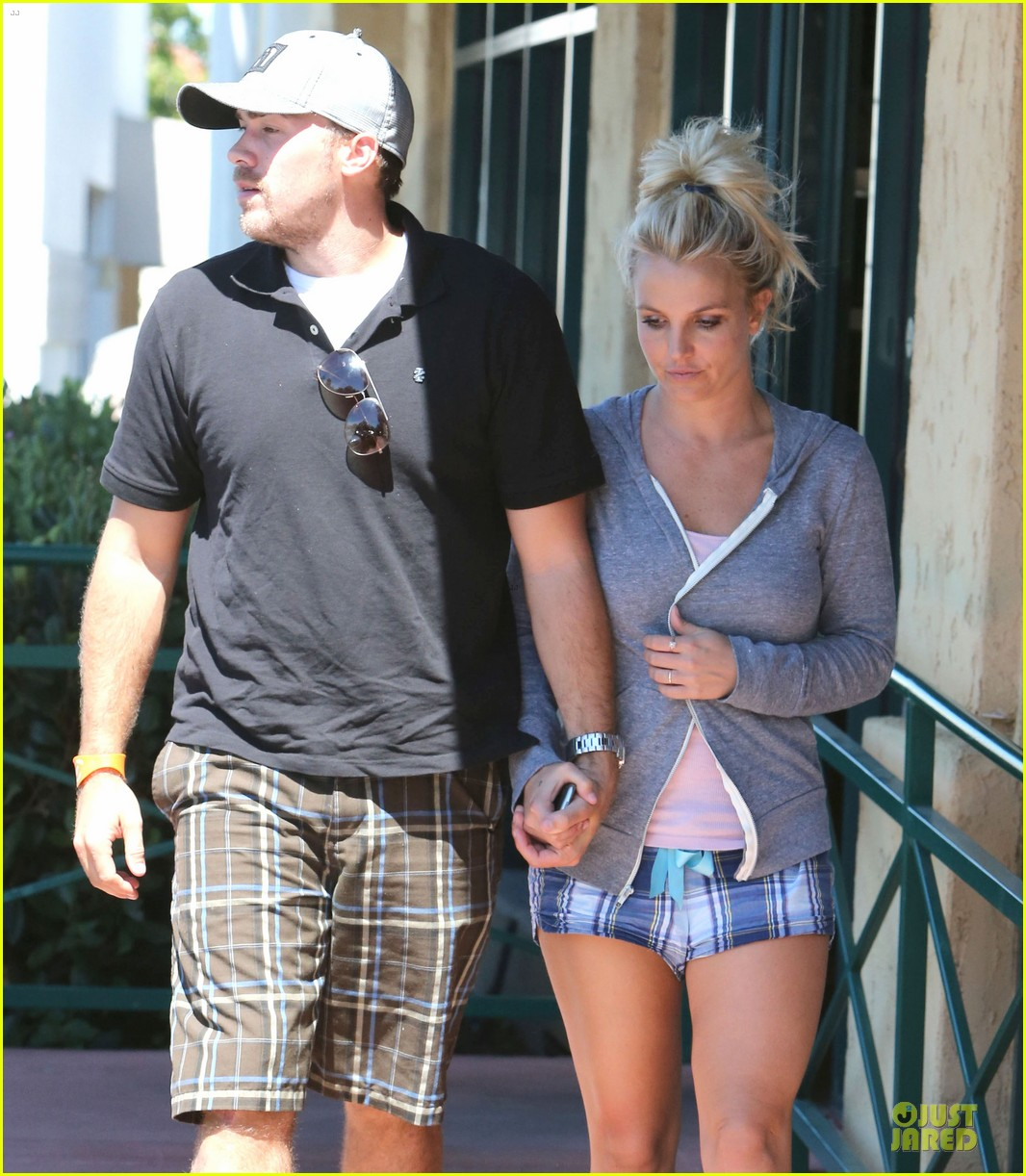 britney spears david lucado hold hands at corner bakery 162936770