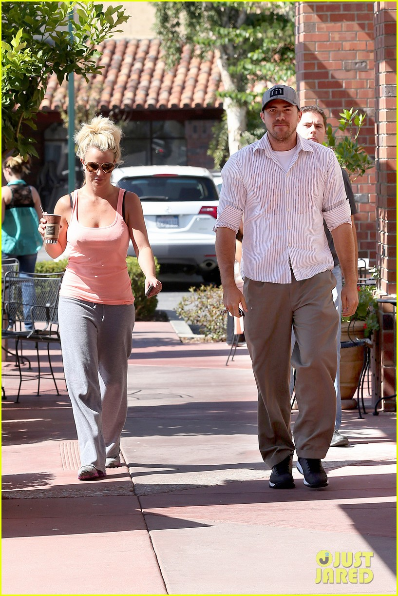 britney spears is feeling it in dance rehearsals 062930994