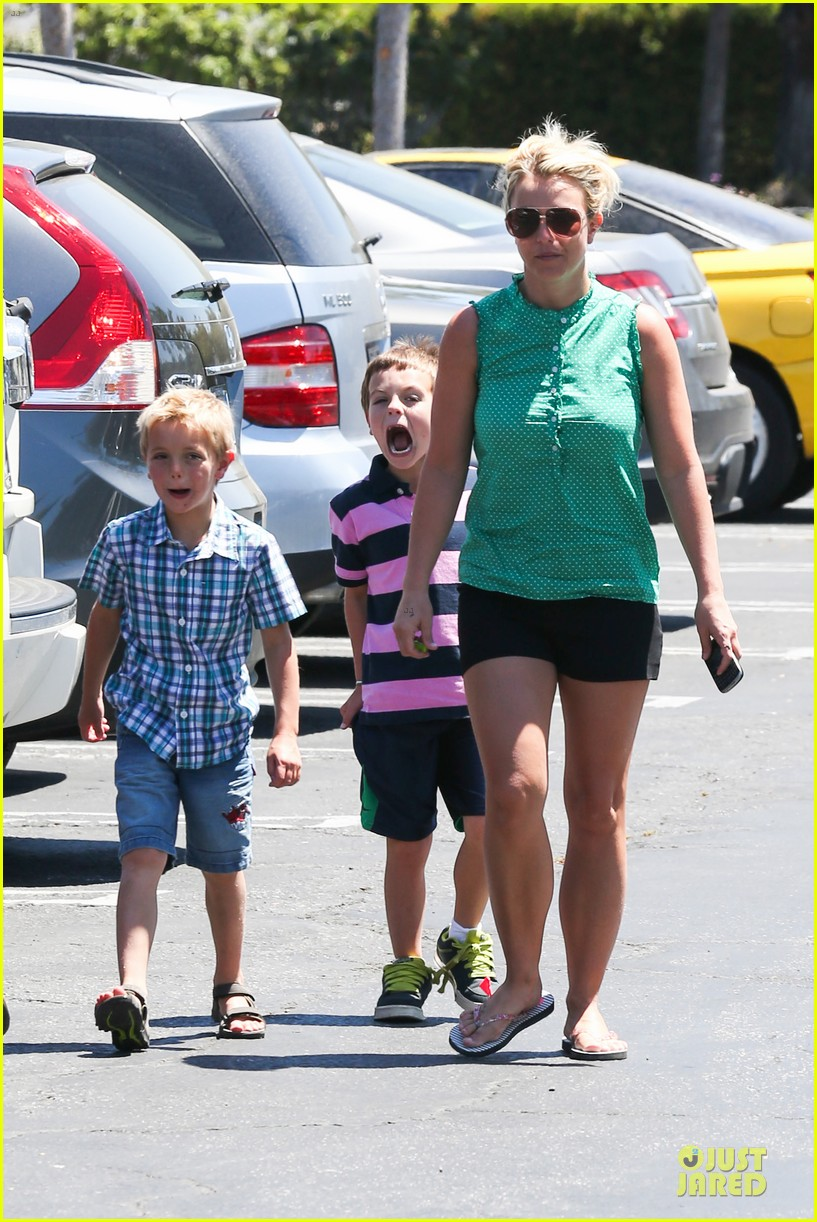 britney spears movie day with jayden james sean preston 01