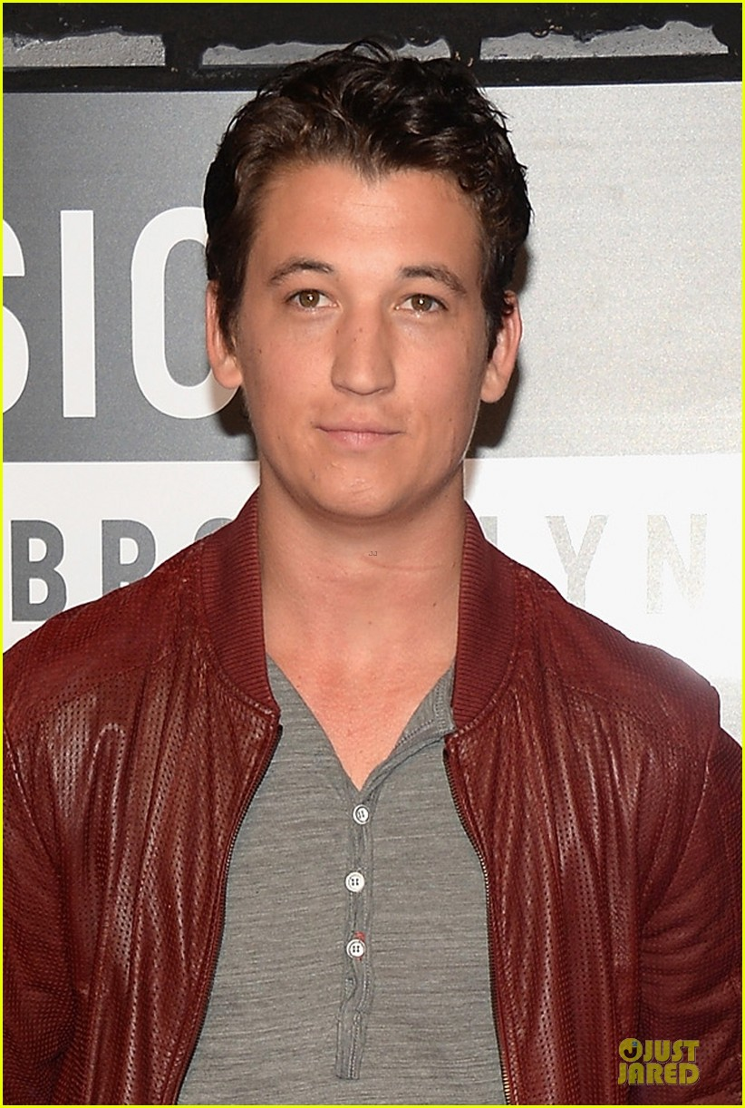miles teller mtv vmas 2013 red carpet 042937657