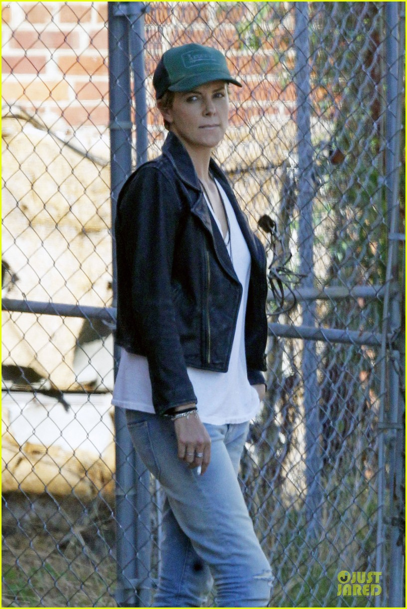 charlize theron dark places starts shooting 02