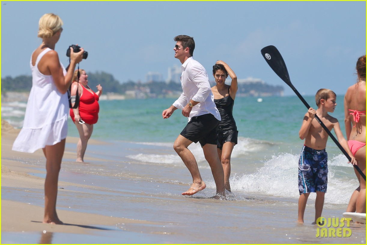 robin thicke paula patton beach day with julian 122940338