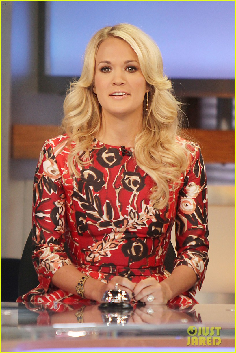carrie underwood delivers pop news on gma 02