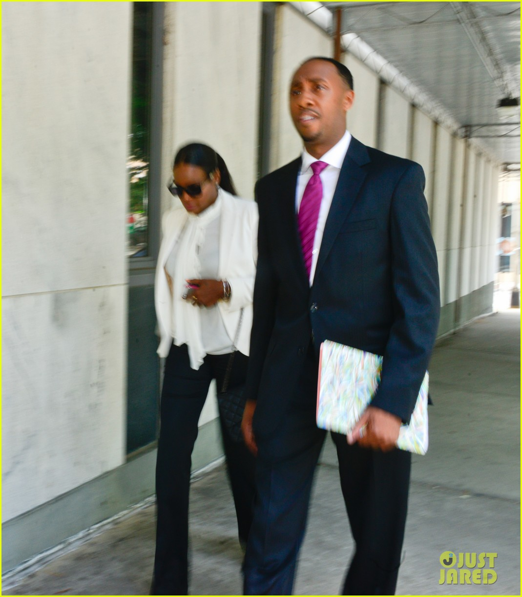 usher wins custody battle hugs tameka foster after trial 09