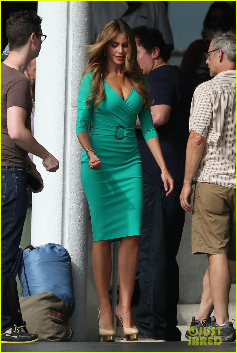 sofia vergara hot fun long day with chef cast 14