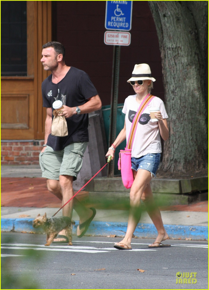 naomi watts liev schreiber stop for coffee with bob 05