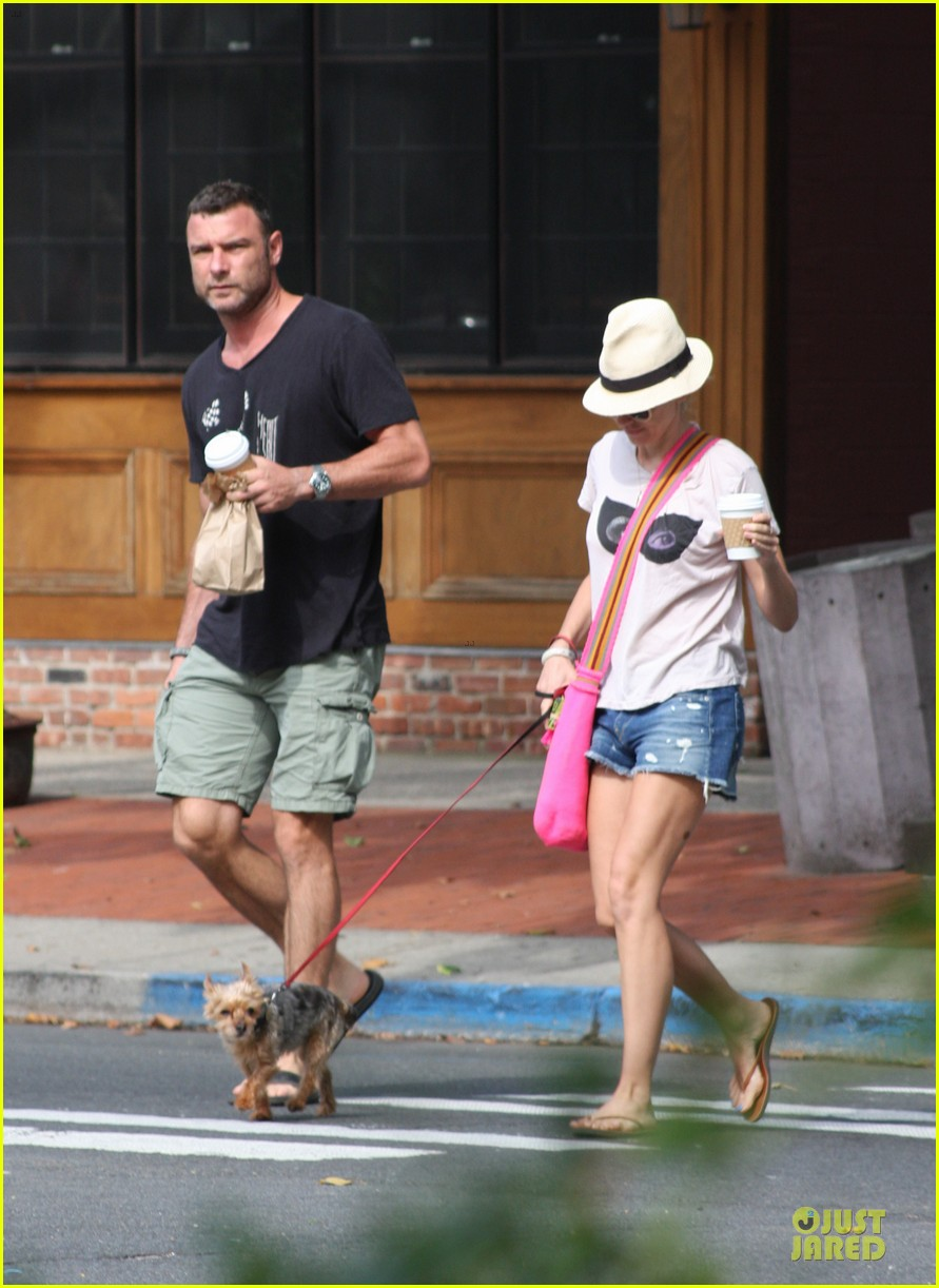 naomi watts liev schreiber stop for coffee with bob 08