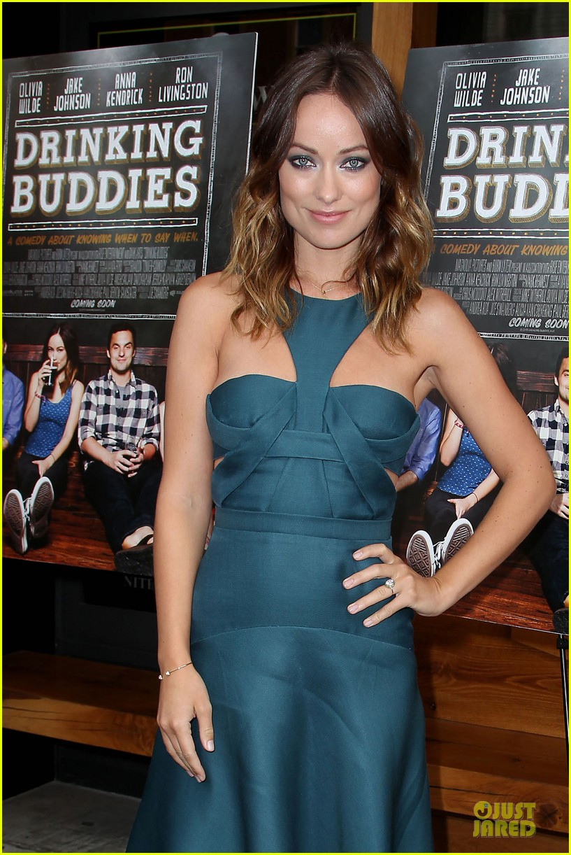 olivia wilde drinking buddies nyc screening 082933628