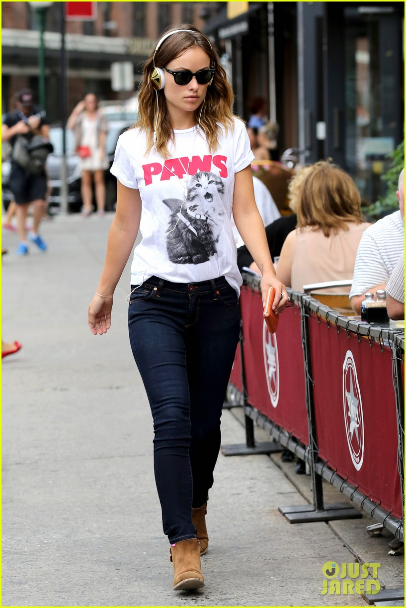olivia wilde drinking buddies promo work in new york 12
