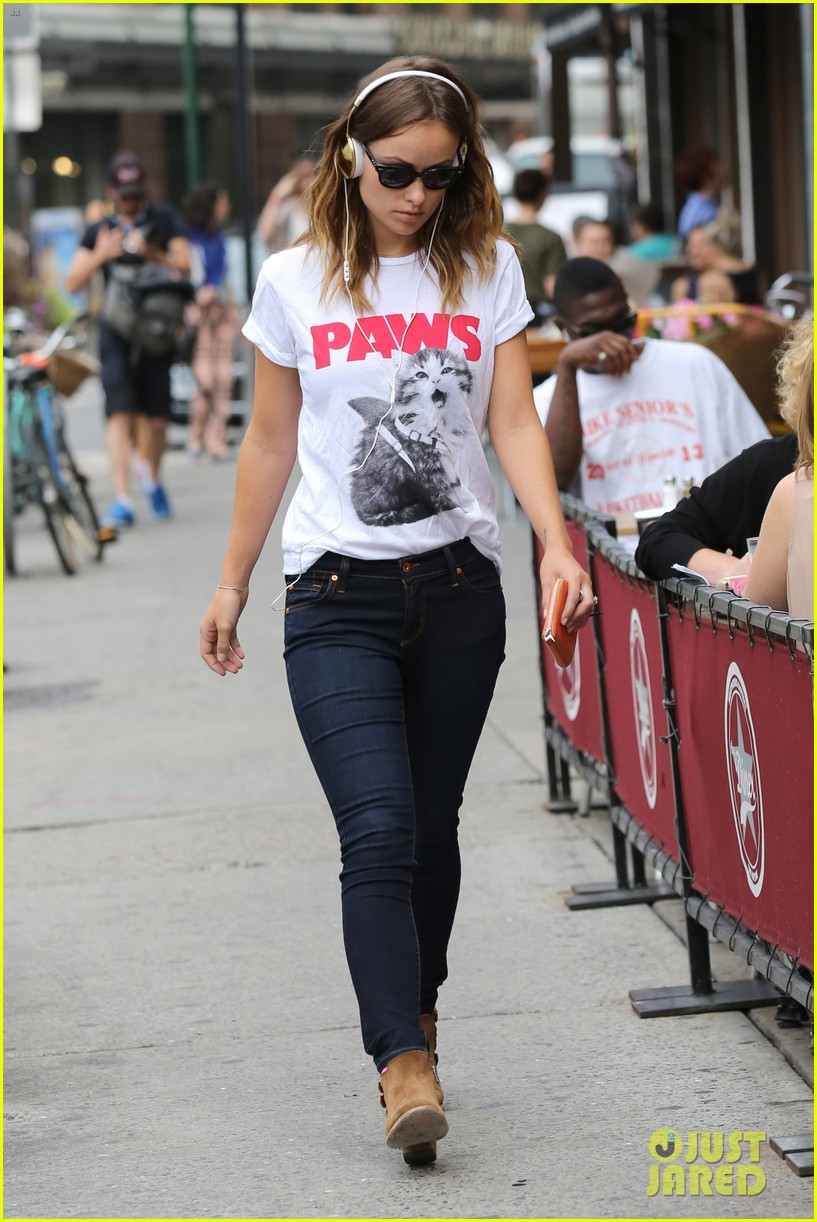 olivia wilde drinking buddies promo work in new york 182933424