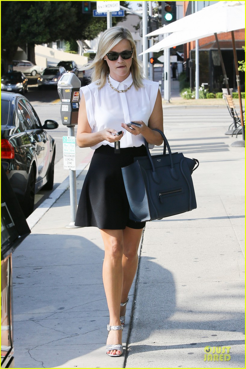 reese witherspoon signs with leonardo dicaprio manager 12