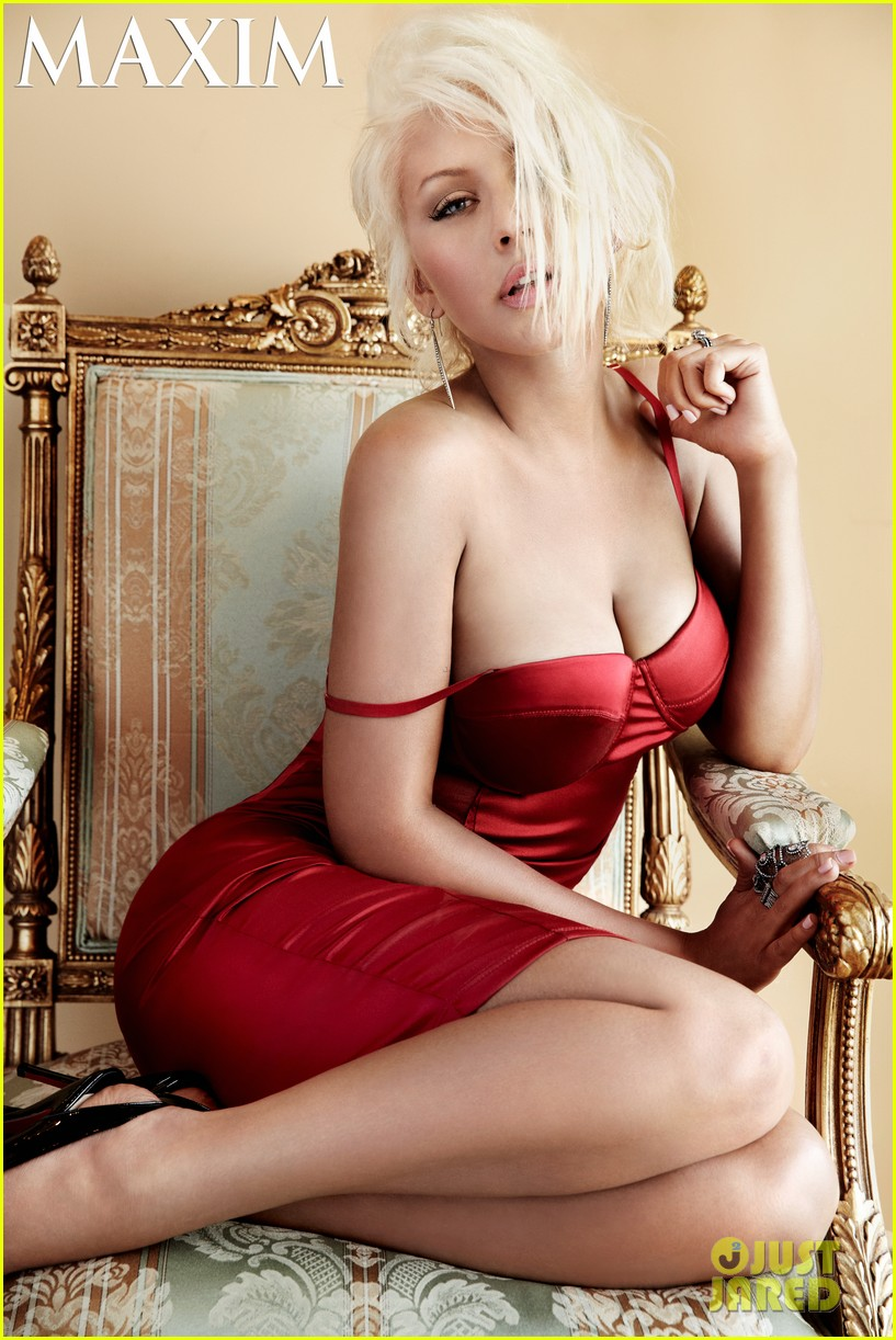 christina aguilera covers maxim october 2013 01