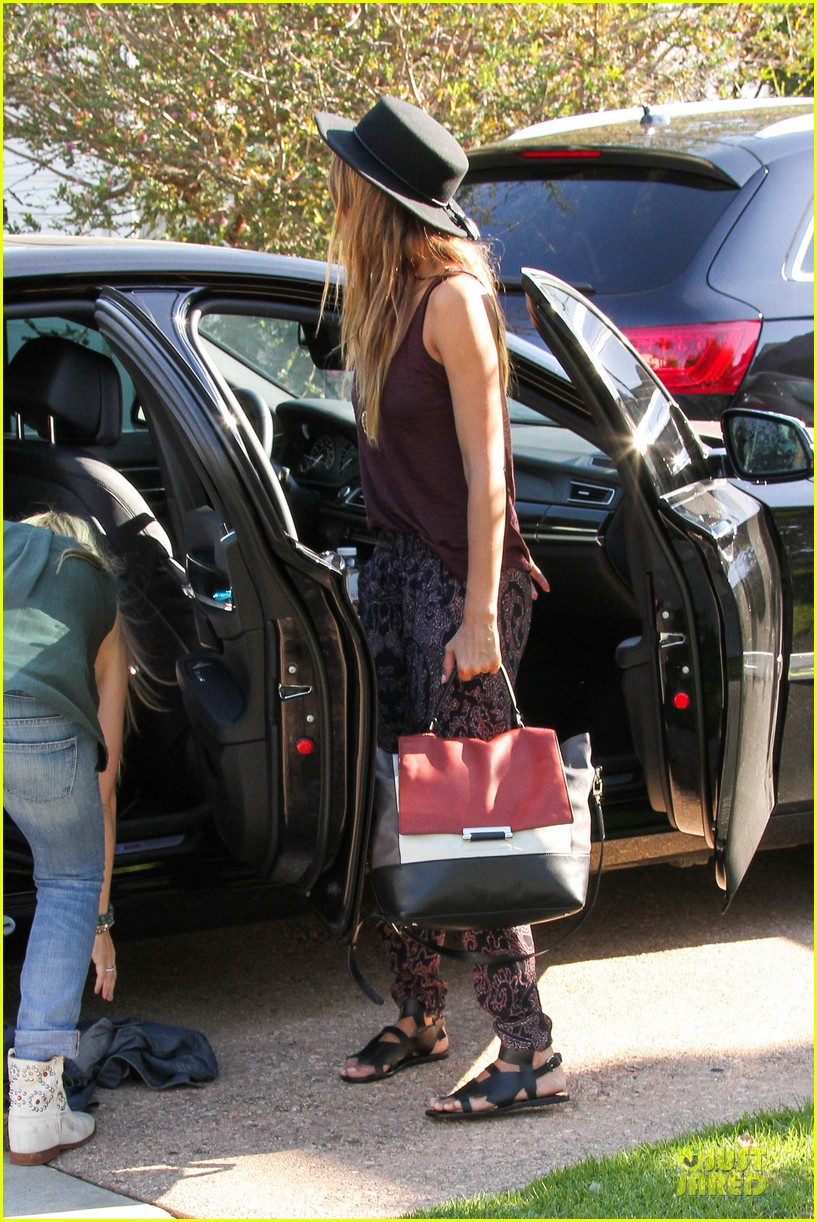 jessica alba farmers market fun with family after nyfw 152953660