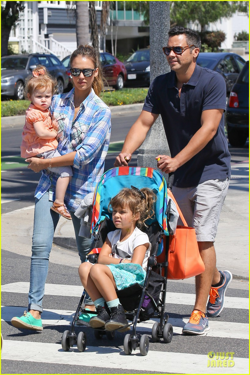 jessica alba farmers market fun with family after nyfw 332953678