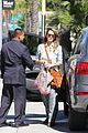 jessica alba sunday mall stop 15