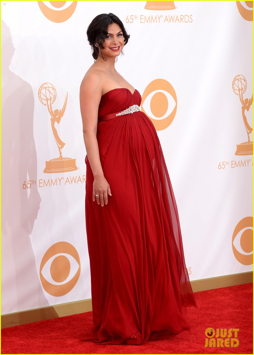 pregnant morena baccarin emmys 2013 red carpet 072958003