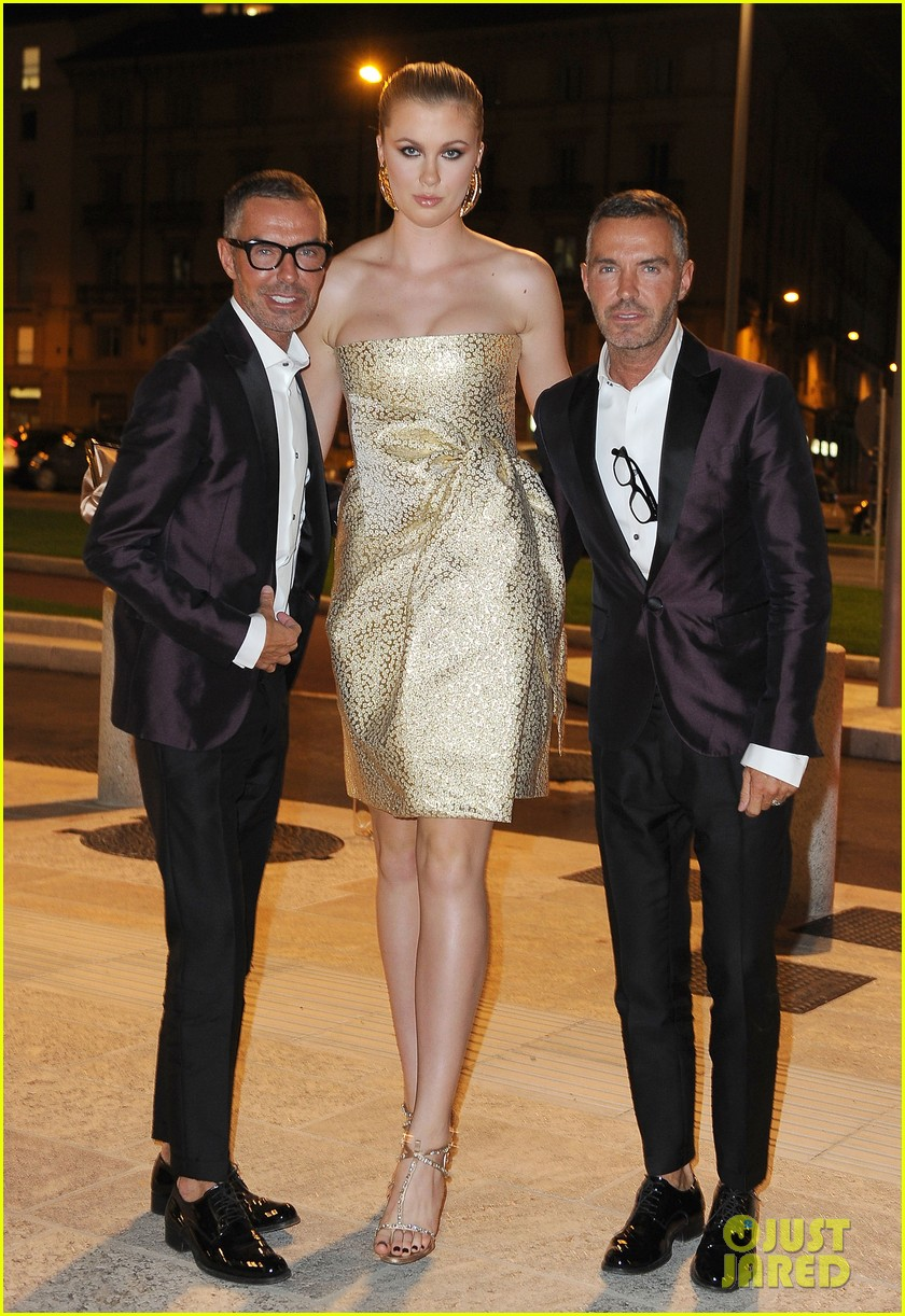 ireland baldwin suki waterhouse dsquared2 show in milan 062955117