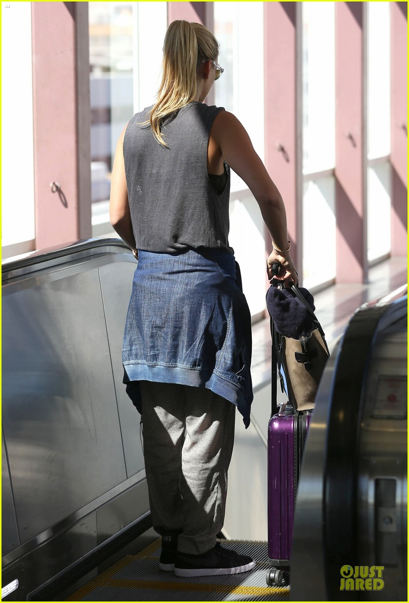 bar refaeli foolish beauty landing at lax airport 15