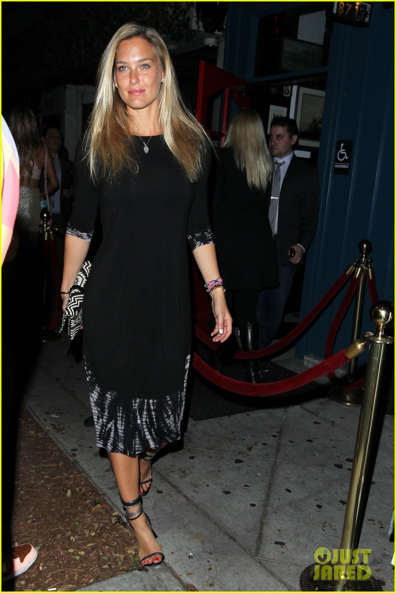 bar refaeli ashlee simpson hooray henry night out 062950799