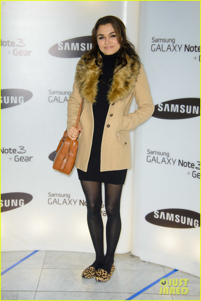 samantha barks ellie goulding samsung galaxy gear launch 14