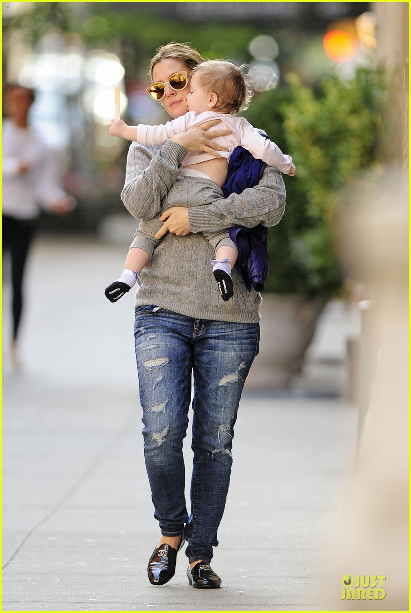 drew barrymore carries olive before nyc ballet gala 03